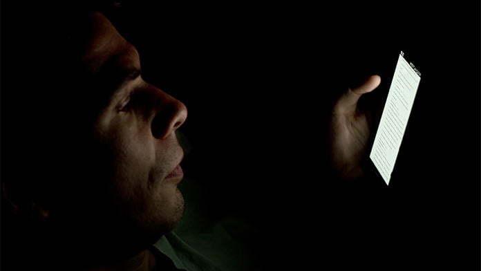 bahaya tidur dengan lampu terbuka